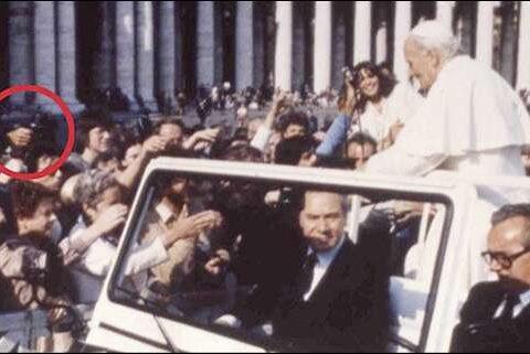 Atentado a Juan Pablo II